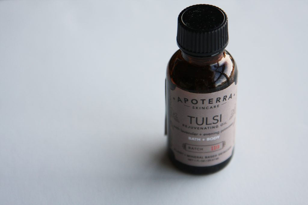 Apoterra Tulsi Rejuvenating Body Oil