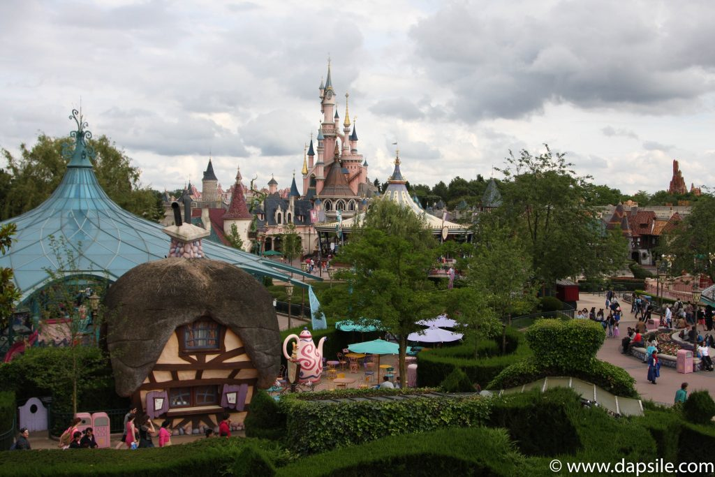 Cinderella Castle and Park in Disneyland Paris Sights