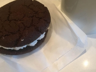 Mink Chocolates Oreo Sandwich Cookie