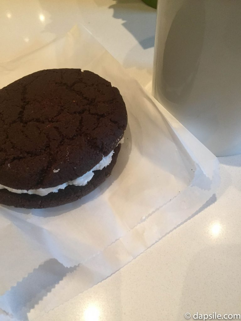 Mink Chocolates Oreo Sandwich Cookie