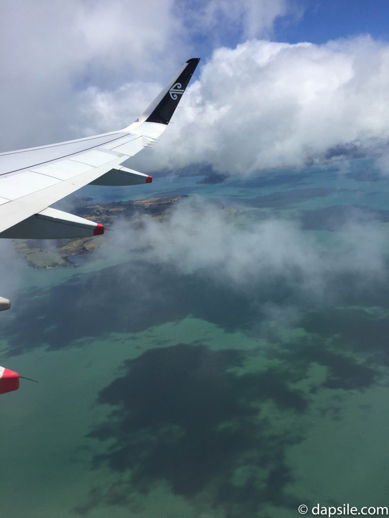 View of the Ocean while Flying from Auckland to Queensland