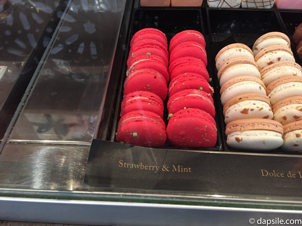 Strawberry and Mint Macaroon
